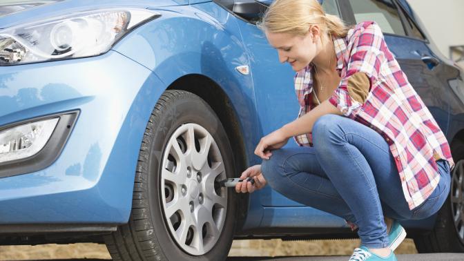 Presión neumáticos, revisar neumáticos, practicavial, autoescuela, autoescuelaespaña, verano