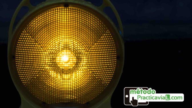 luz emergencia DGT