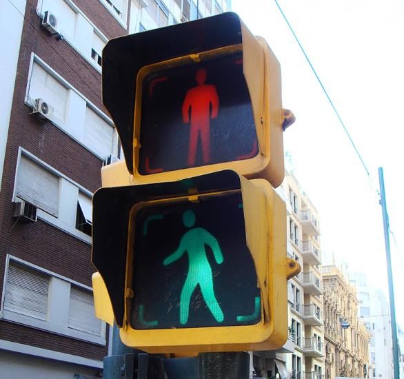 21.1 Paso de peatones regulado por semáforo