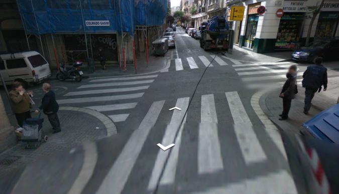21.3 Paso de peatones con peatones dudosos