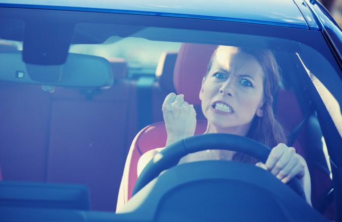 Conductas negativas al conducir. EVITALAS
