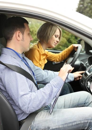 ¿Por que es necesario aprobar el examen de conducir?
