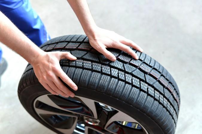 Multa por circular con los neumáticos en mal estado