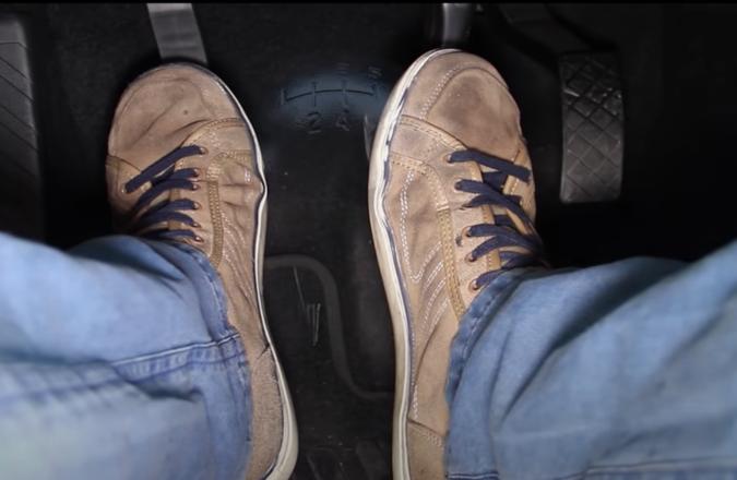 Los errores más frecuentes al usar los pedales del coche