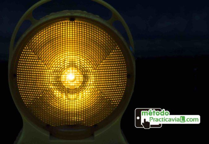 La nueva luz emergencia de la DGT que sustituirá a los tri�…