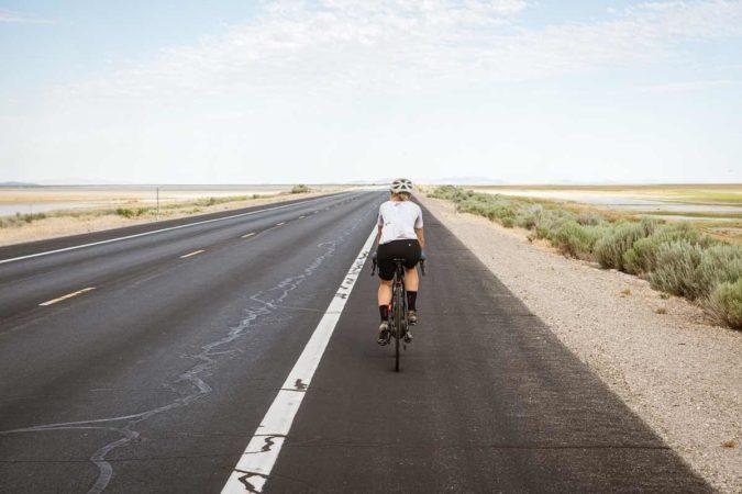Así es como nunca deberías adelantar a un ciclista